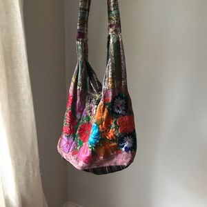 Handbags - Gorgeous embroidered carrier bag